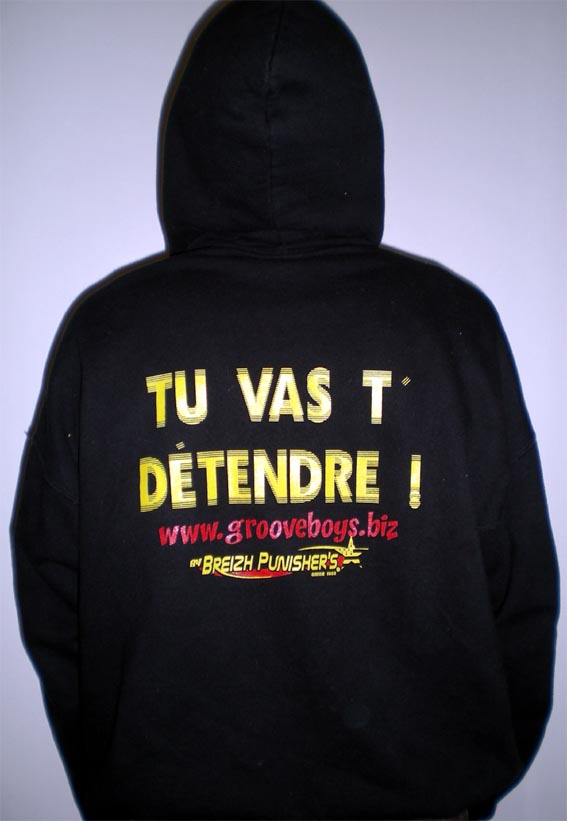 Le sweat à capuche Groove Boys